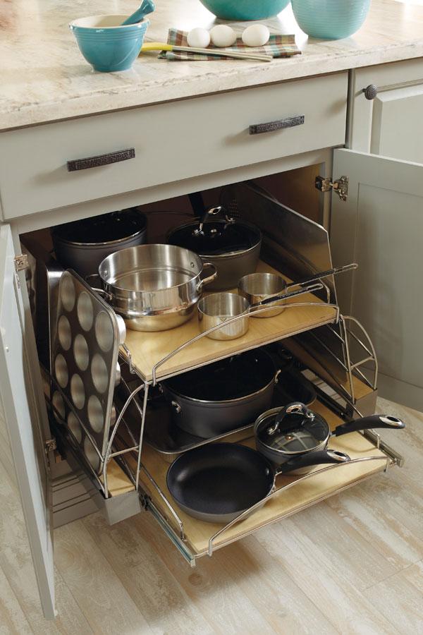 Base Pots And Pans Pull Out Kemper Cabinetry