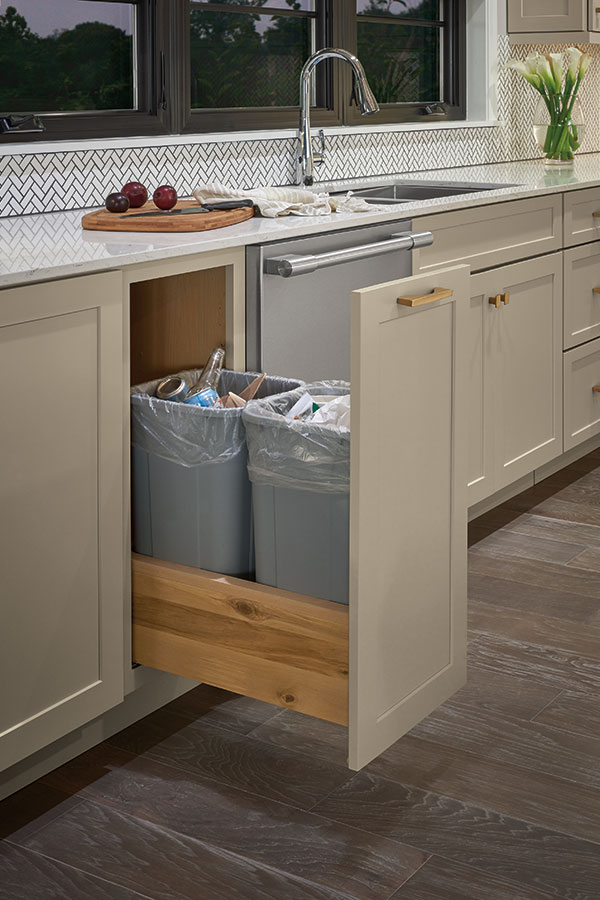 /-/media/kemper/products/cabinet_interiors/3trashbinsmegr.jpg