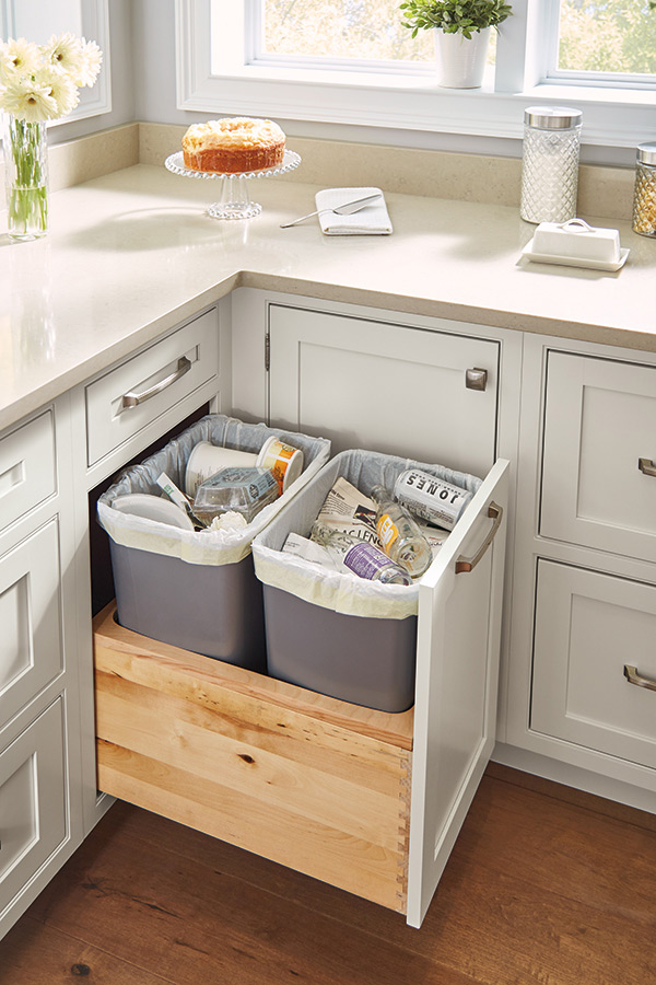 /-/media/kemper/products/cabinet_interiors/3trashbinsmswi.jpg