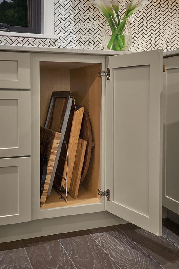 Tray Divider Kemper Cabinetry
