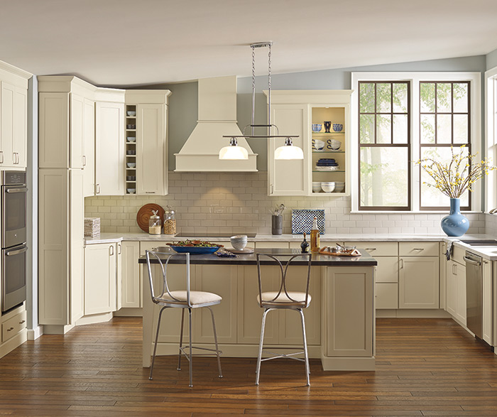 Outstanding Soft White Transitional Shaker Kitchen Kemper Download Free Architecture Designs Xerocsunscenecom
