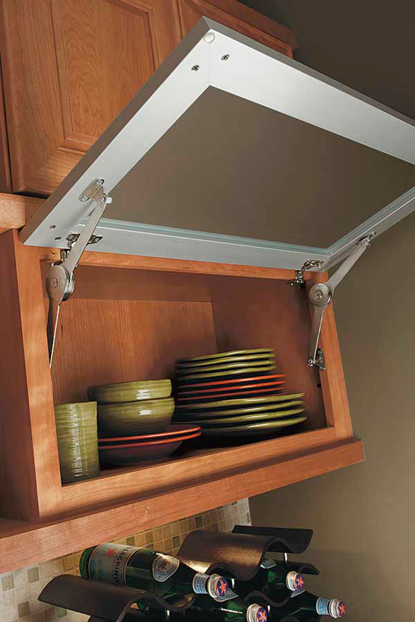 /-/media/kemper/products/specialty_cabinets/4tophingeccda.jpg