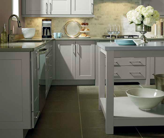 Light grey kitchen cabinets kemper cabinetry for Light grey kitchen units