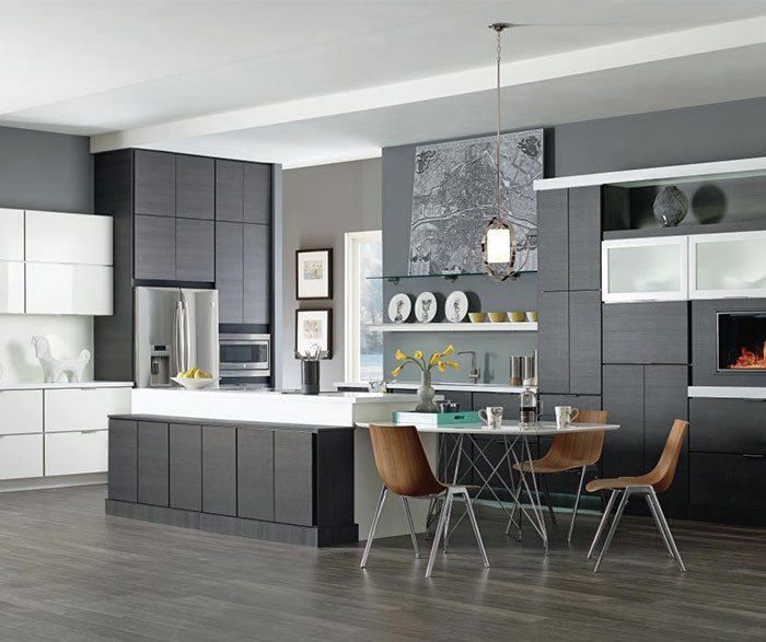 Contemporary kitchen with laminate cabinets in Obsidian and High Gloss White